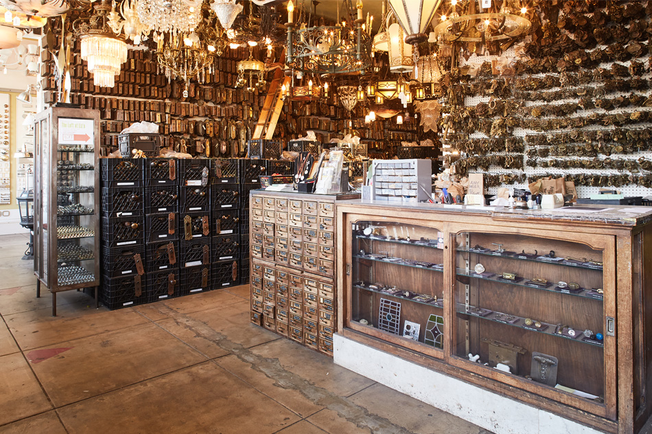 Inside The Wonderland Known As Liz S Antique Hardware 1stdibs
