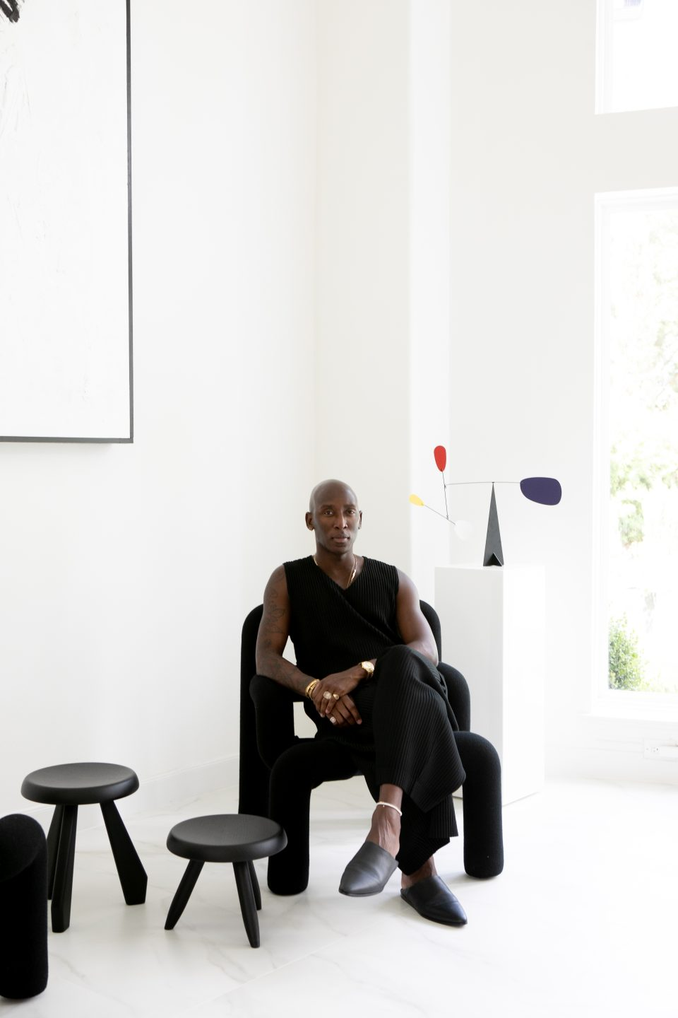 Mateo's Elegant, Minimal Jewelry Designs Inspired His Gallery-Like Home
