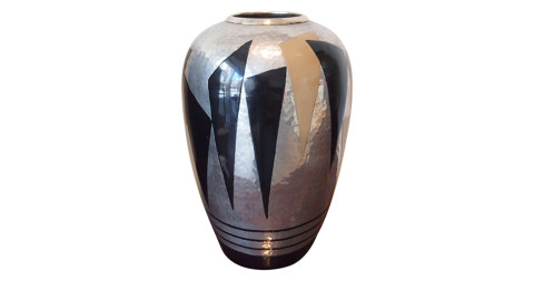 Jean Dunand Vase, 1930, offered by Galerie Sandy Toupenet