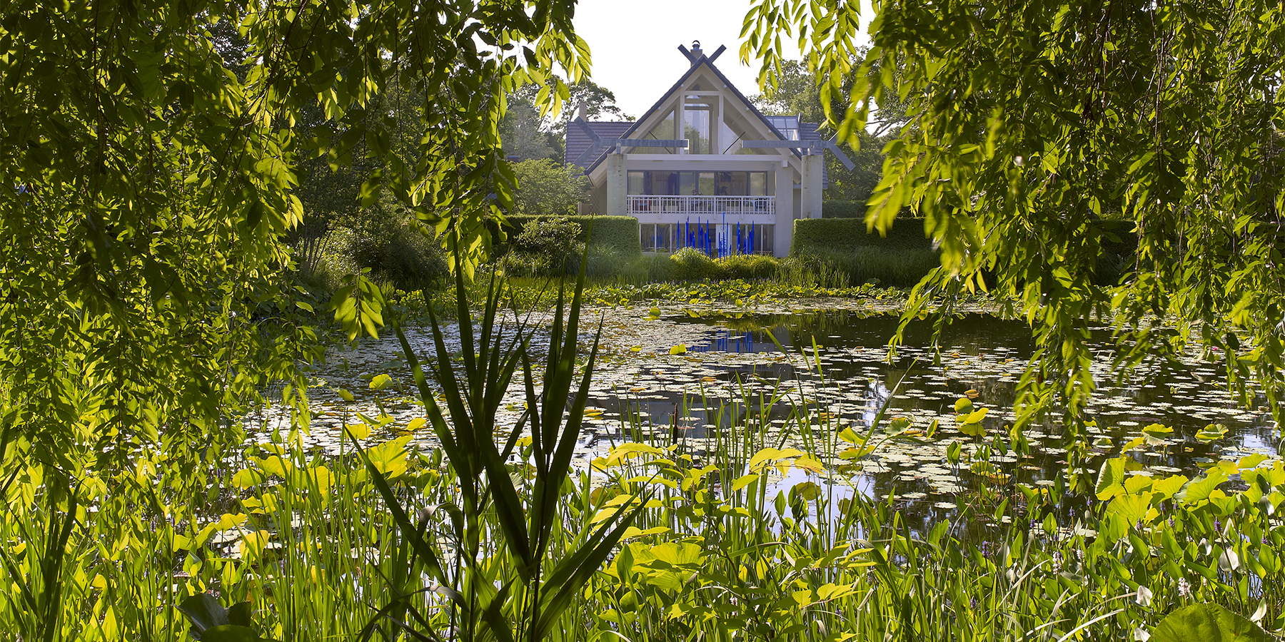 Wander Through A World Famous Hamptons Garden With Jack Lenor