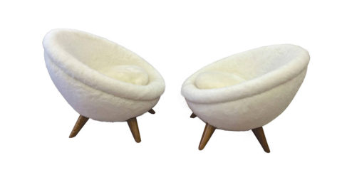 Jean Royère Oeuf chairs, 1950–60s, offered by Galerie Andre Hyat