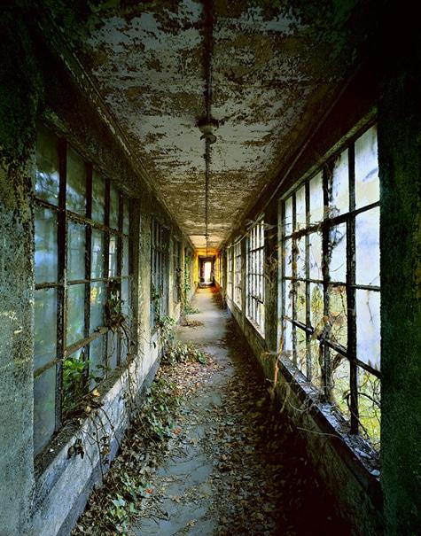 Stephen Wilkes Captures the Ghosts of Ellis Island
