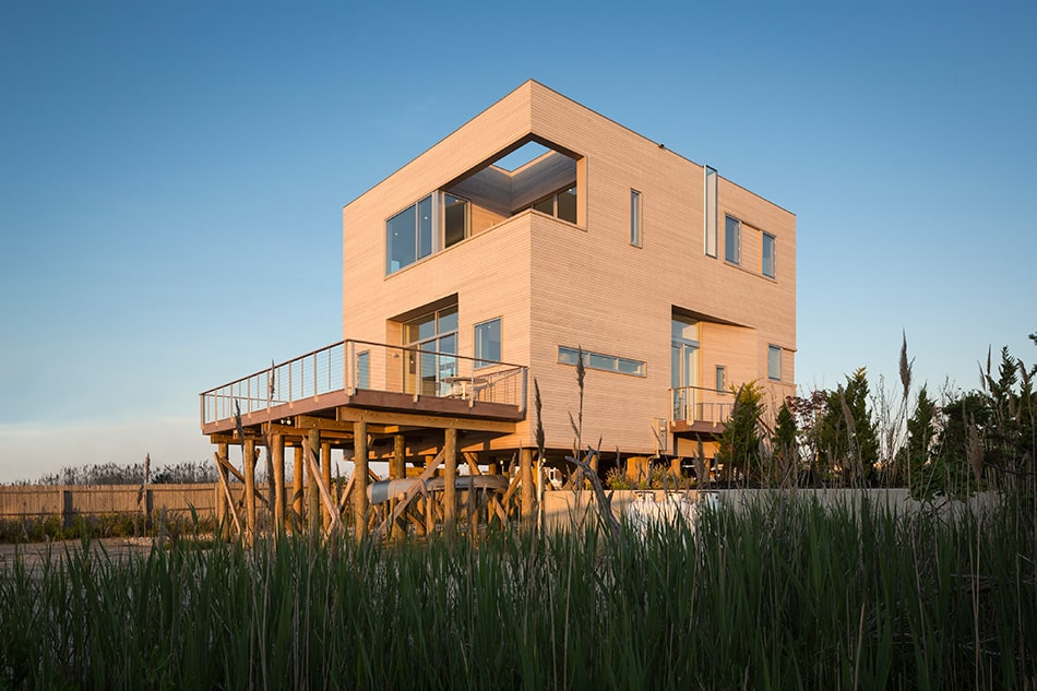 Leroy Street Studio 'Underbuilds' in Deference to Natural Settings