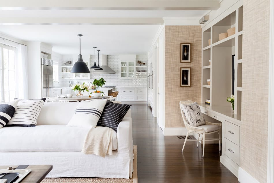 Westport, CT Family room by Chango & Co.