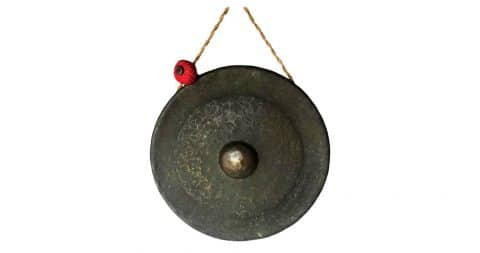Bronze gong with striker, 20th century, offered by Dos Gallos