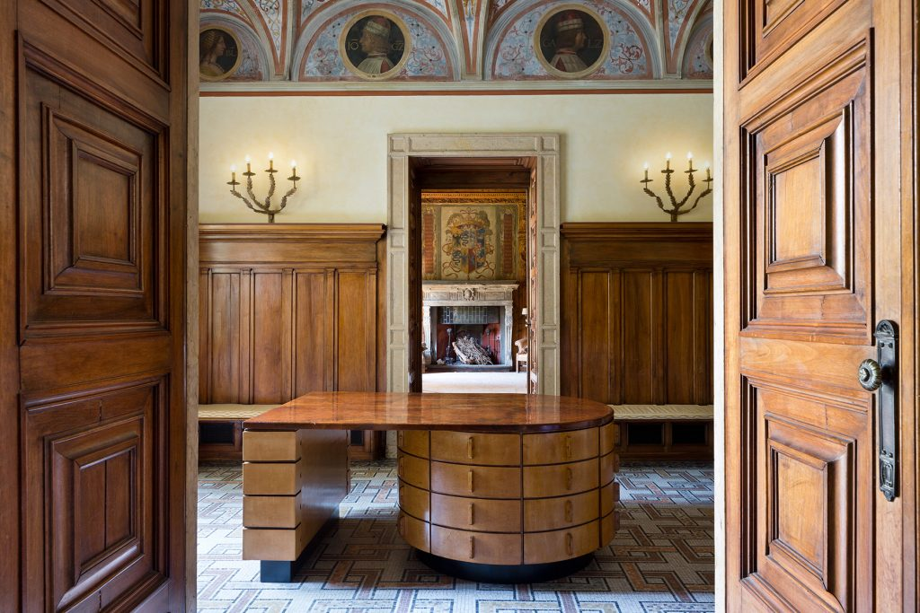 Piero Portaluppi Casa degli Atellani Milan portrait gallery omnibus desk