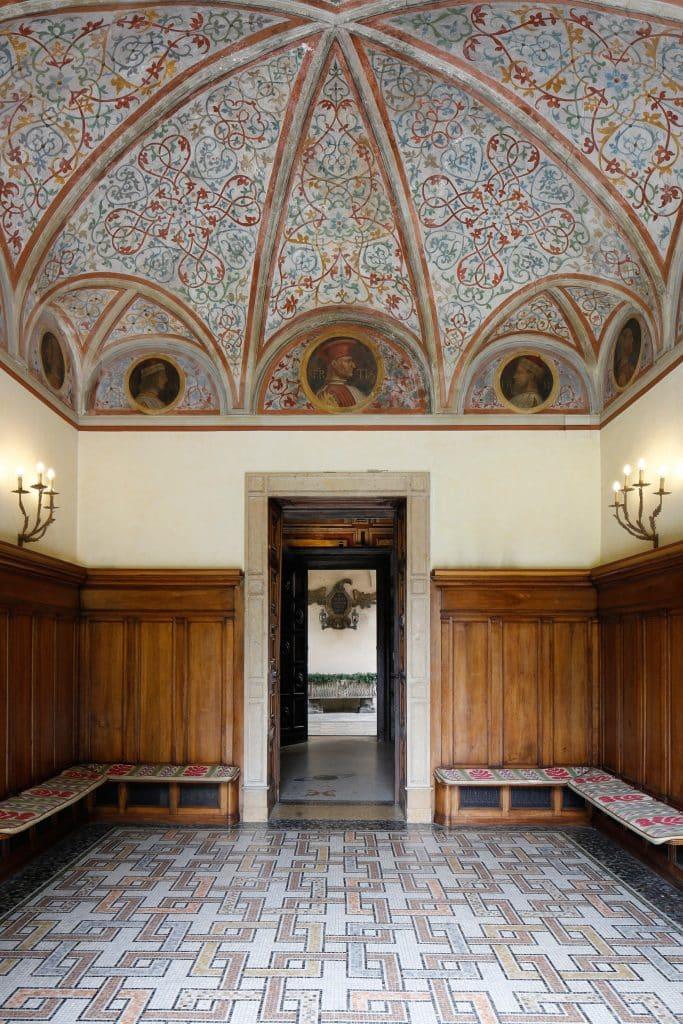 Piero Portaluppi Casa degli Atellani Milan portrait hall