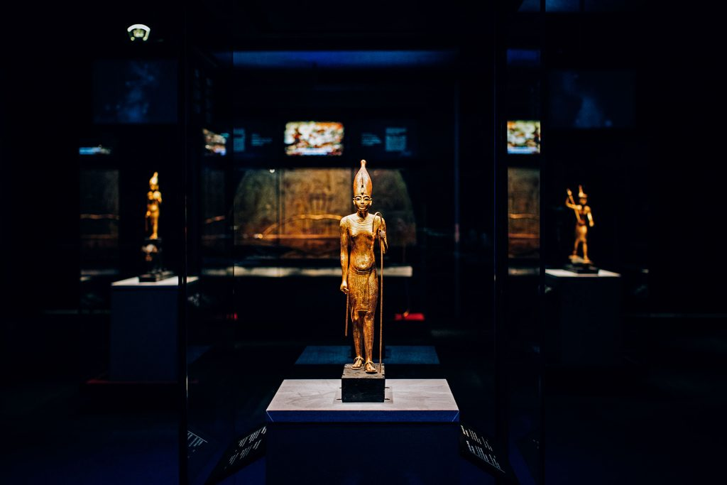 gilded King Tut statues