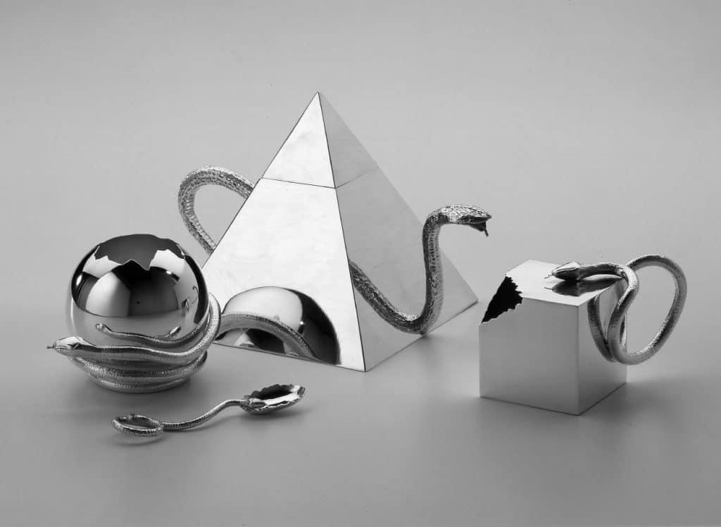 Designers Massimo and Lella Vignelli Cleto Munari tea set snake