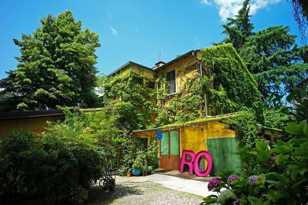 The exterior of Galleria Rossana Orlandi