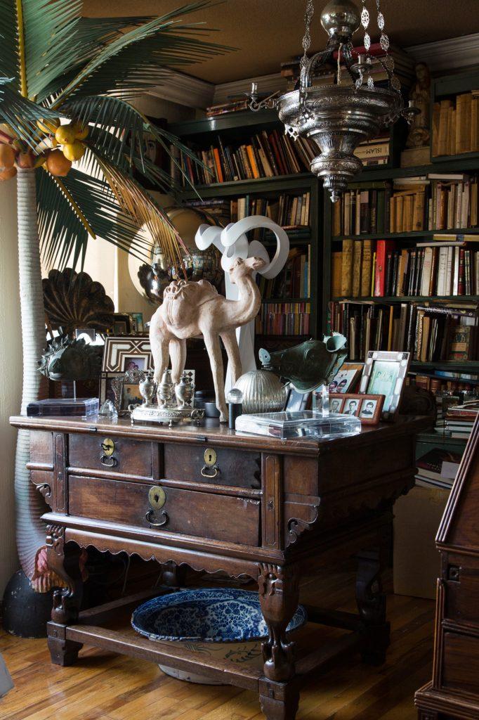 The library of Rodrigo Rivero Lake's apartment and showroom