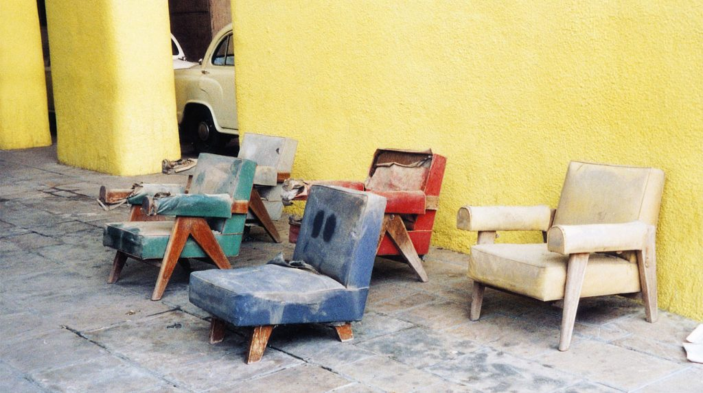 Chairs in Chandigarh