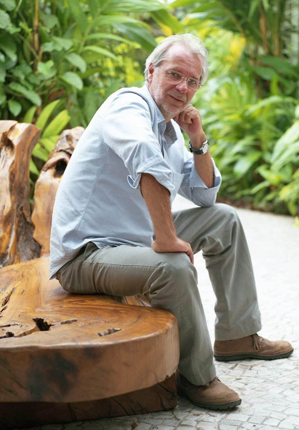 Hugo França Transforms the Remnants from Brazil's Deforestation