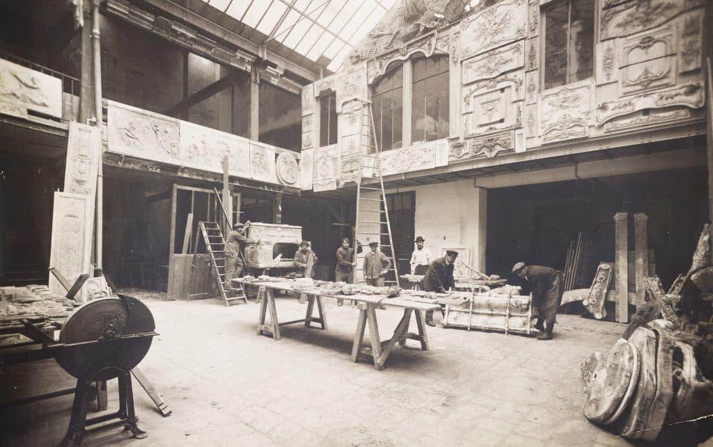 Paris workshop Paul and André Carlhian decorators Duveen Brothers and the Market for Decorative Arts Charlotte Vignon