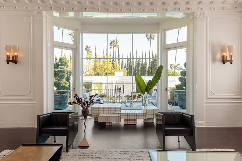 Kelly Wearstler: Evocative Style her own Los Angeles home living room window pool view cabana