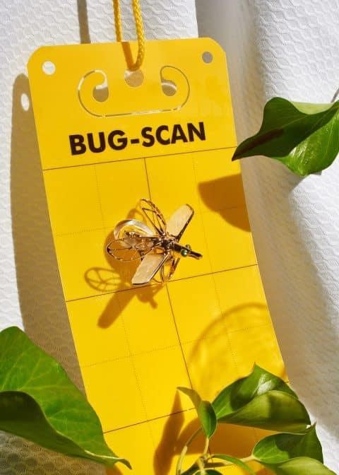 Bibi van der Velden Moving Insect ring