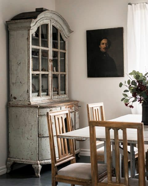 D. Larsson dining room