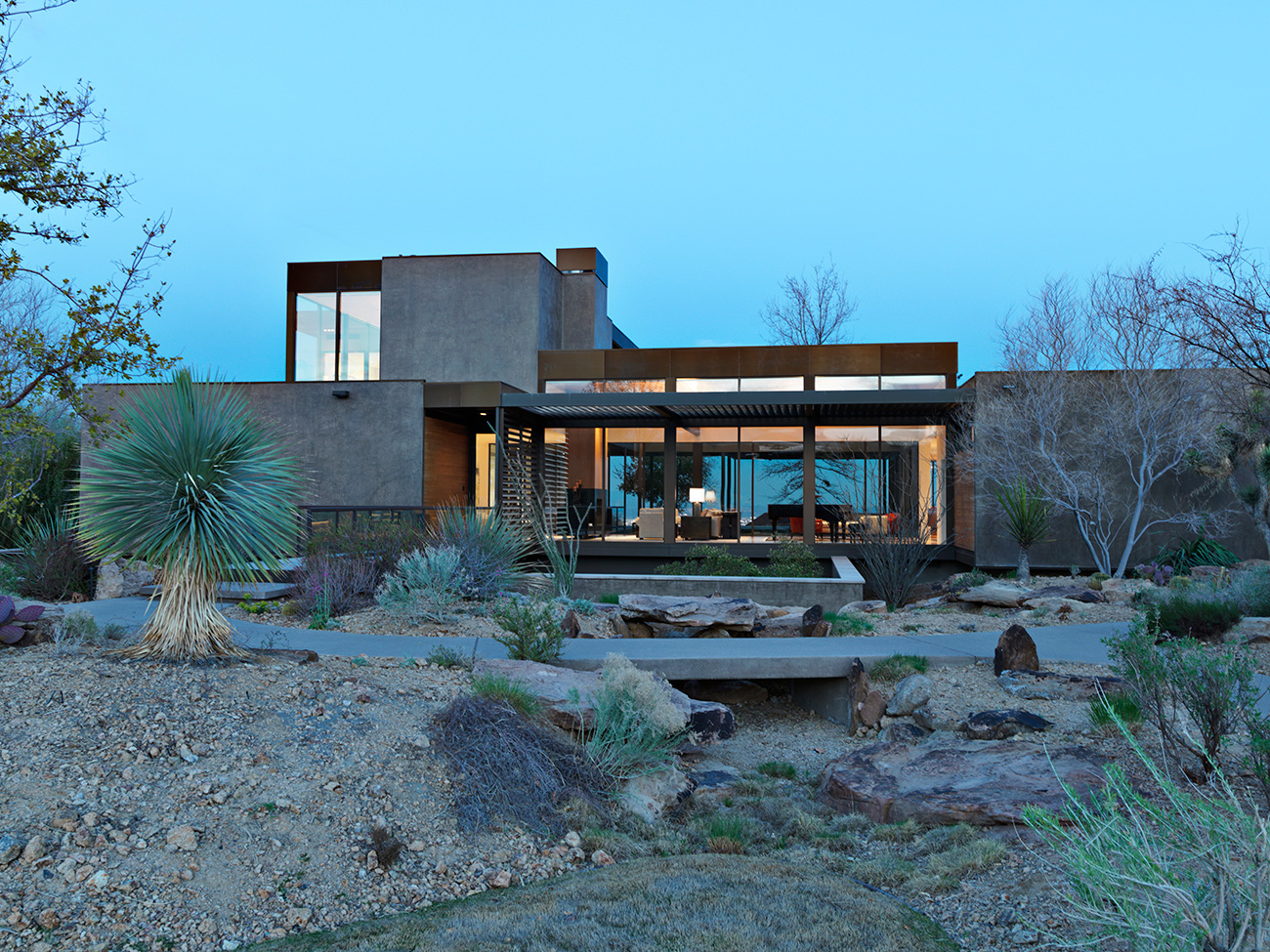 Site: Marmol Radziner in the Landscape Las Vegas prefab house exterior