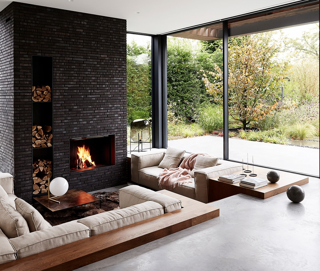 Site: Marmol Radziner in the Landscape Amsterdam Netherlands house sunken living room fireplace view