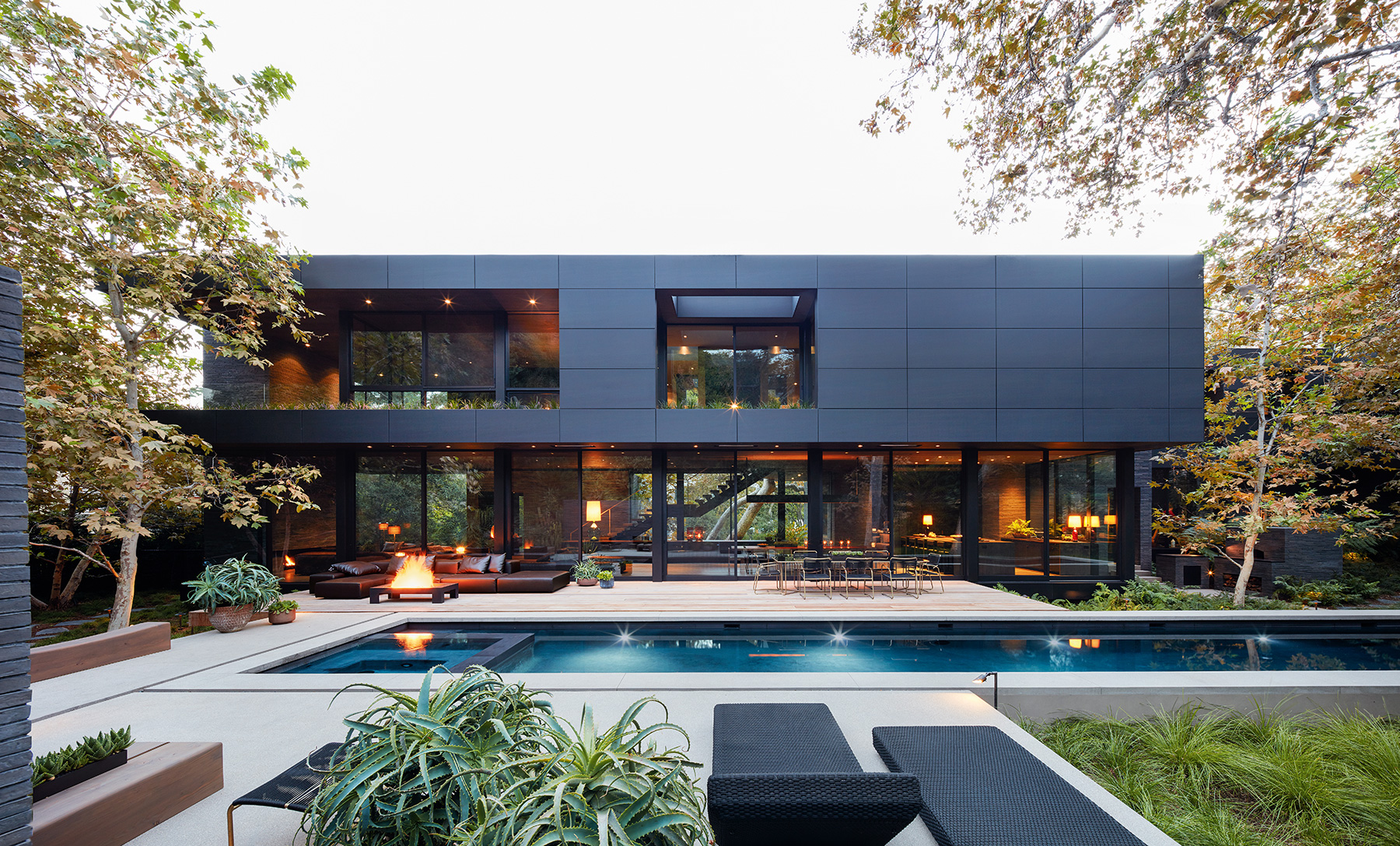 Site: Marmol Radziner in the Landscape Mandeville Canyon Los Angeles house exterior pool