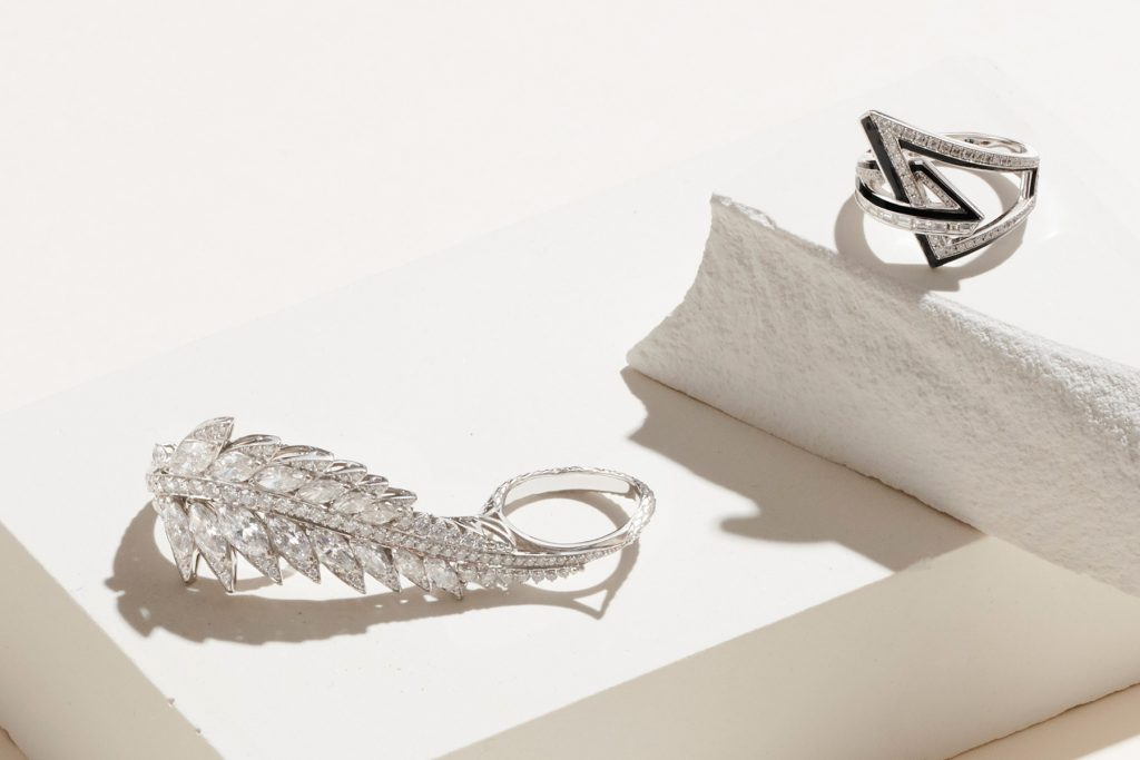 Stephen Webster Magnipheasant Plumage three-finger diamond ring and Vertigo Obtuse ring