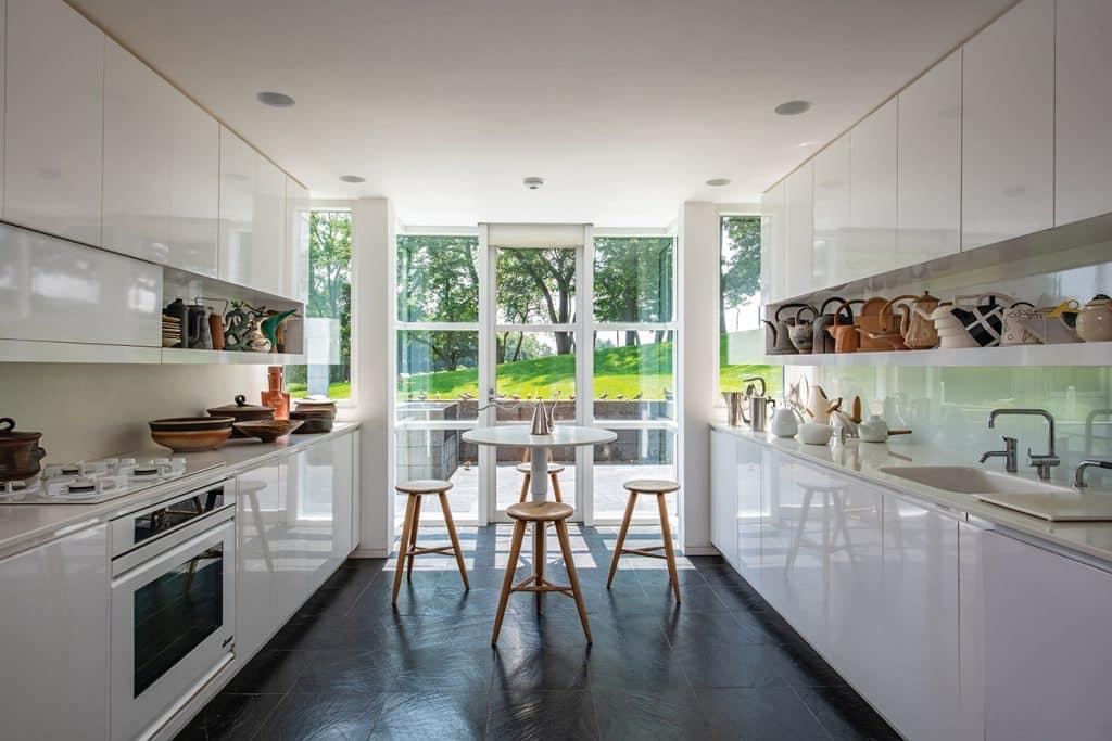 Louis and Sandy Grotta Richard Meier house kitchen