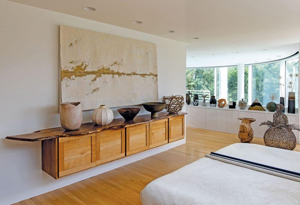 Louis and Sandy Grotta Richard Meier house master bedroom