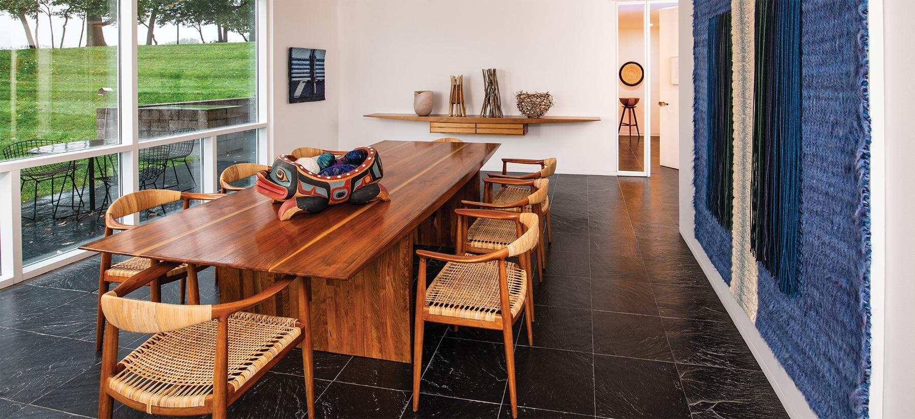 Louis and Sandy Grotta Richard Meier house dining room