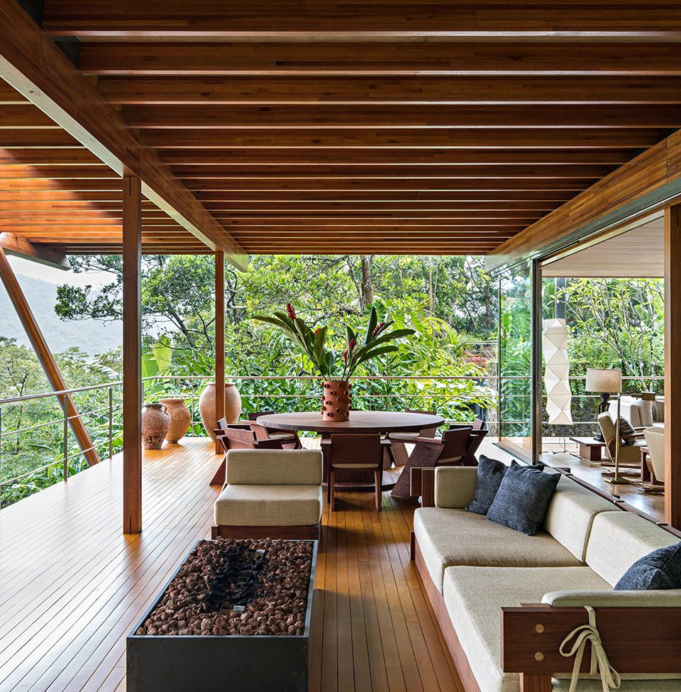 Jungle and Beach Coalesce in this Mod Brazilian Retreat by Andre Mellone