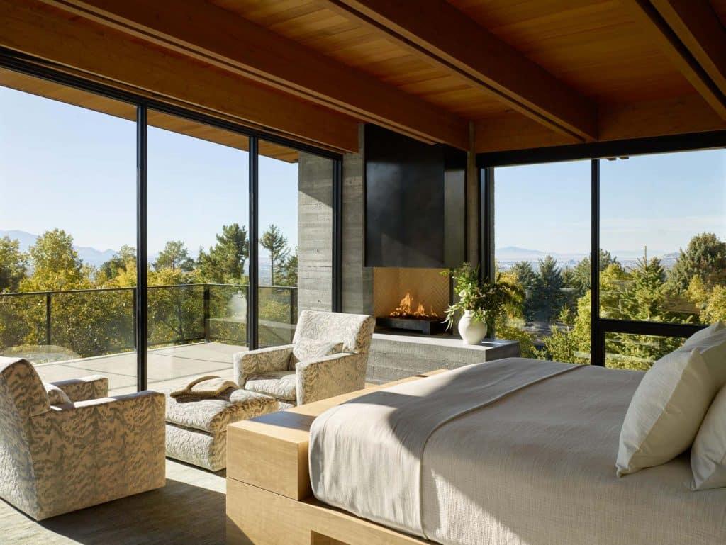 Architect Tom Kundig Olson Kundig Salt Lake City Wasatch House master bedroom
