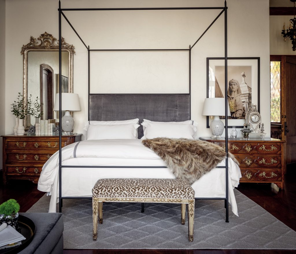 Tara Shaw lake house bedroom