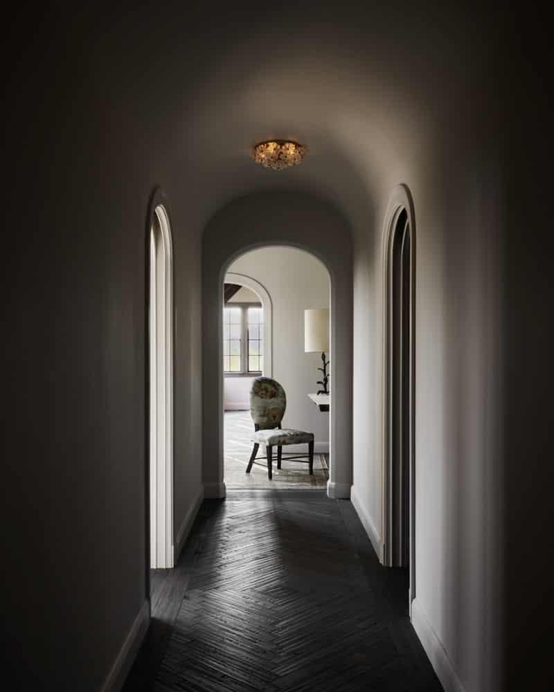Ray Azoulay hallway