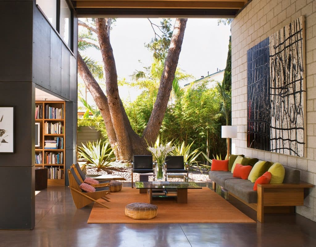 The living room of architect Steven Ehrlich's Los Angeles residence