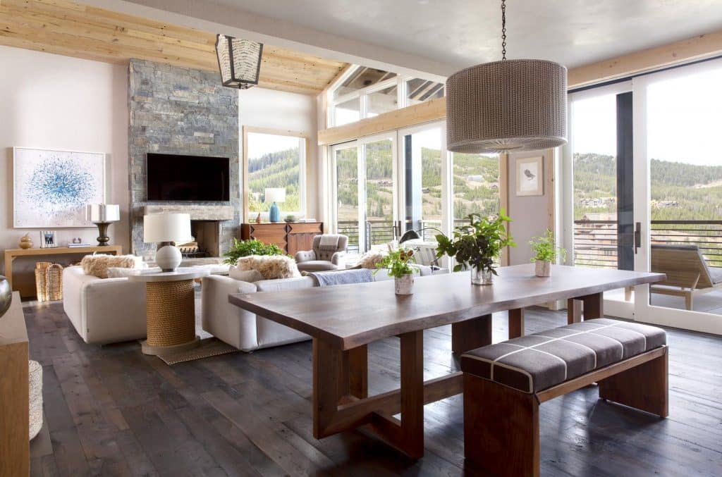 An airy mountain getaway, from the book Markham Roberts: Notes on Decorating