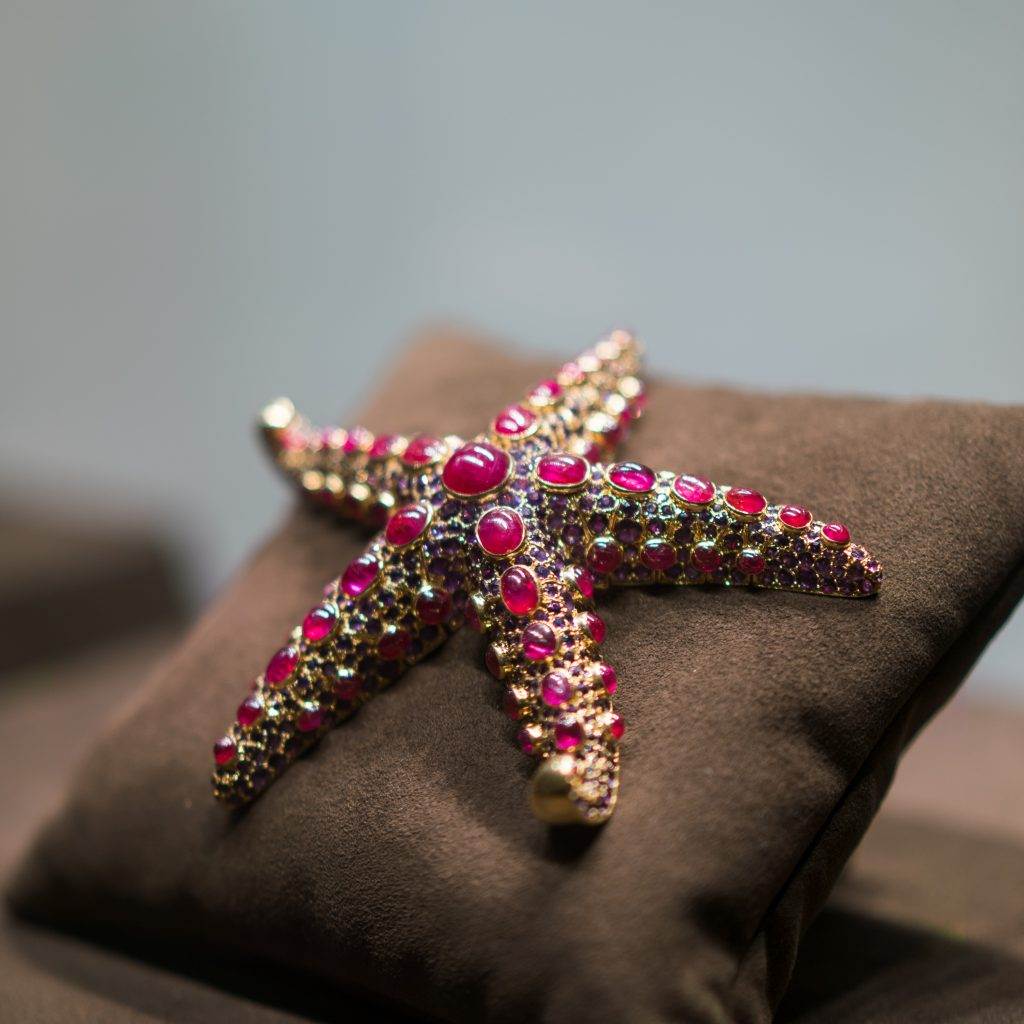 A 1937 René Boivin ruby and amethyst starfish brooch sold by Siegelson