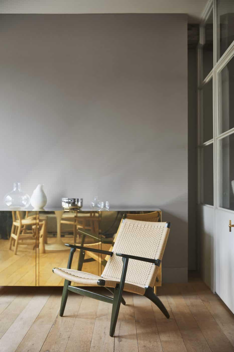 C25 armchair in Seaweed green by Hans J. Wegner and Ilse Crawford