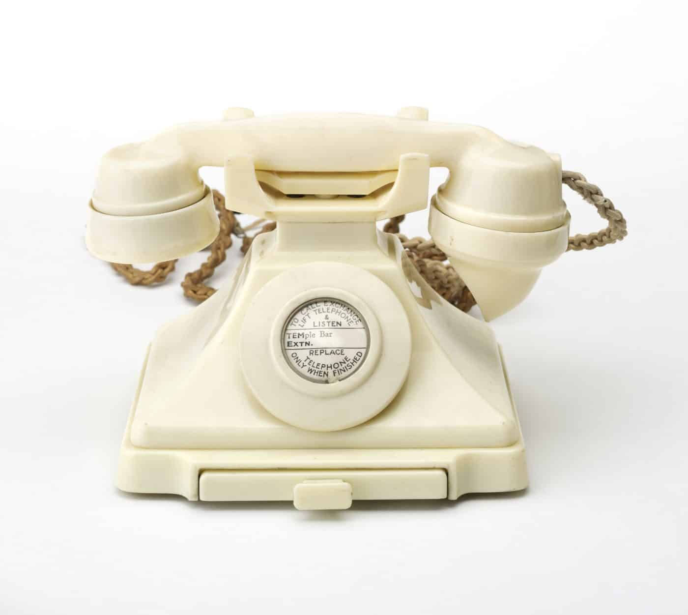 A 1934 telephone