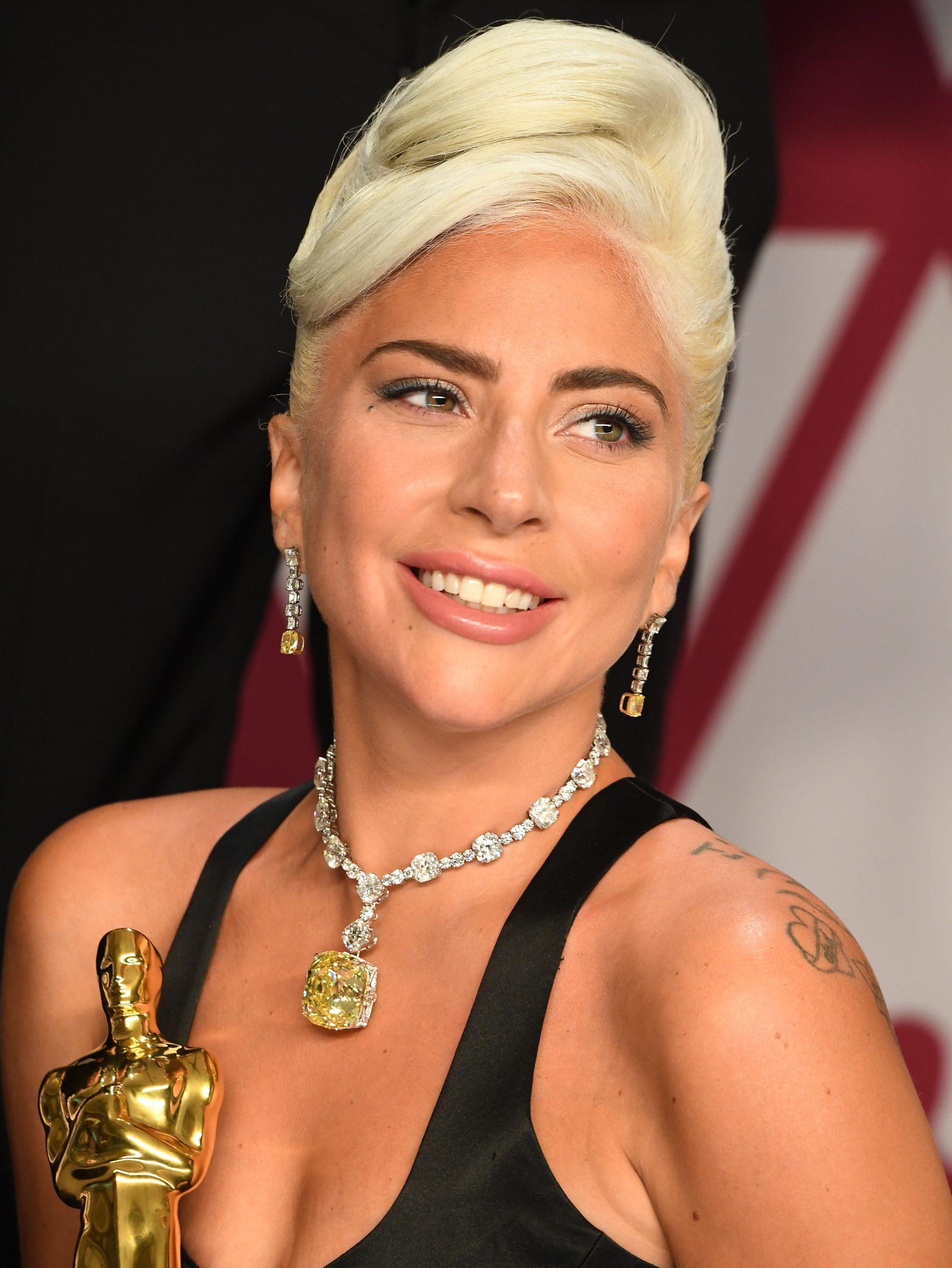 Lady Gaga at the 2019 Academy Awards wearing the Tiffany Diamond necklace