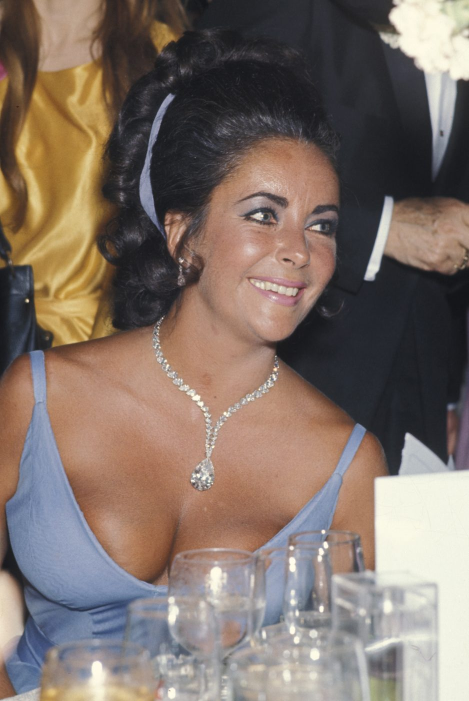 Elizabeth Taylor in the Taylor-Burton Diamond necklace