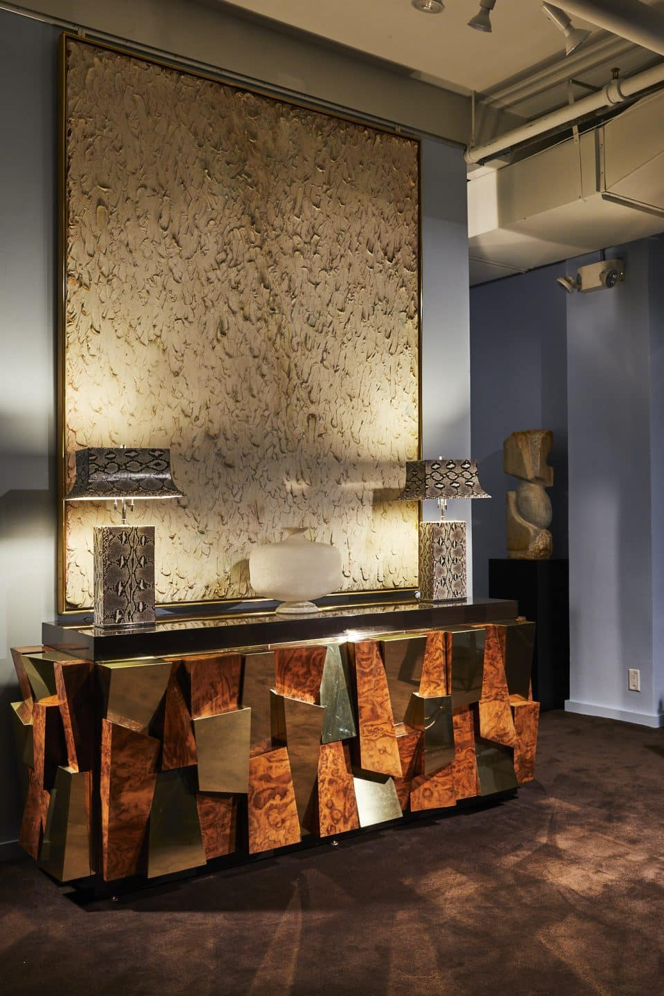 Lobel Modern Gives the Icons of Modern Design a Fitting Venue